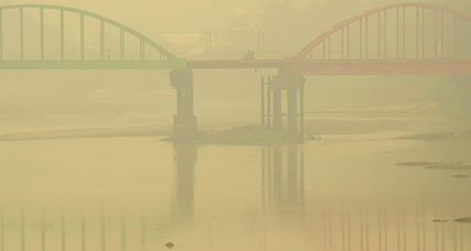 Why is Singapore covered in smoke, and what can be done about it? (+video)