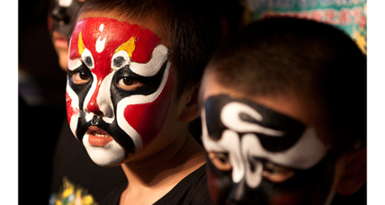 Chinese-made Halloween makeup could be unsafe, say advocates (+video)