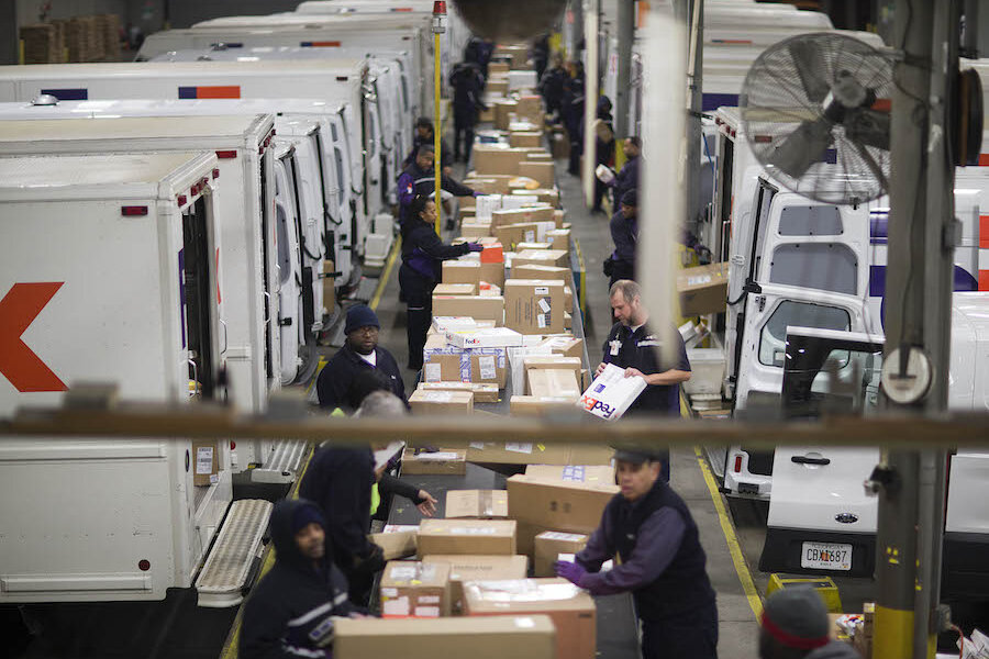 fedex to hire 55000 workers as e commerce takes over the holidays csmonitorcom
