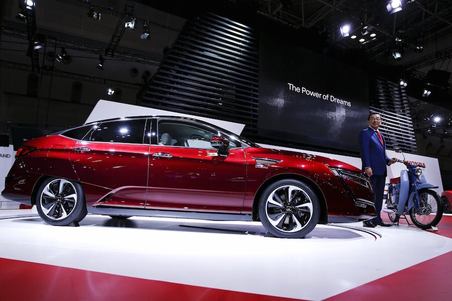 Honda Doubles Down On Hydrogen Cells With 2017 Clarity Fuel Cell