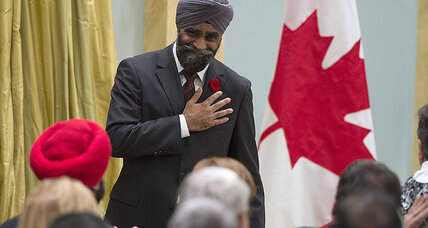 Sikh Defense Minister joins Cabinet that 'looks like Canada' (+video)