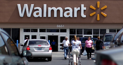 Walmart starts to make good on massive clean energy promises