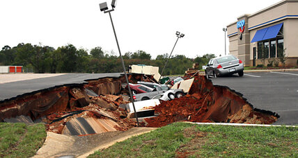 Huge hole swallows 12 cars at IHOP: Don't call it a sinkhole?