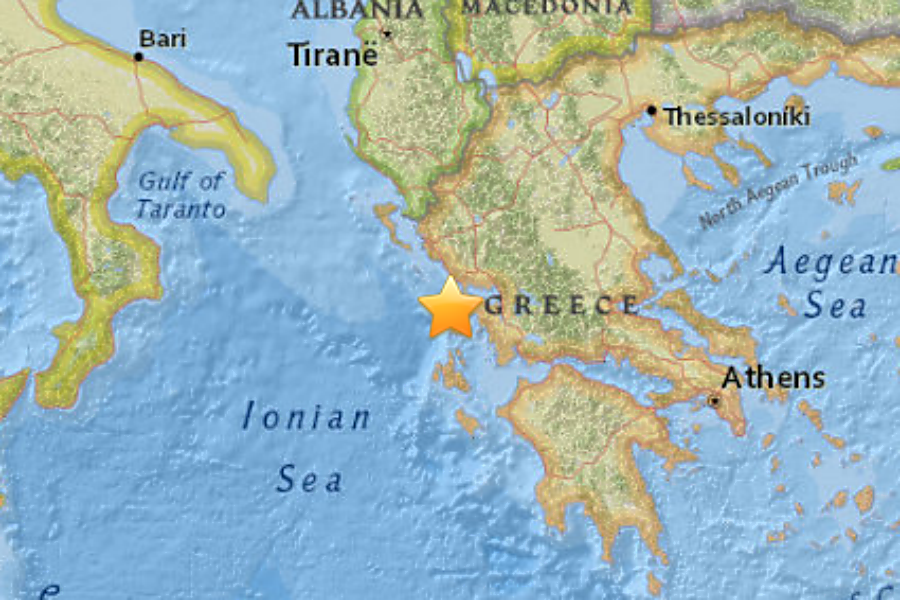 Major earthquake jolts greece killing two people csmonitor major earthquake jolts greece killing two people gumiabroncs Gallery