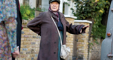 'The Lady in the Van' is a showcase for a great performance by Maggie Smith