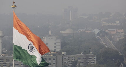 New Delhi announces plan to curb car pollution