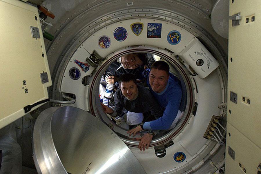 international space station astronauts return to earth - photo #17