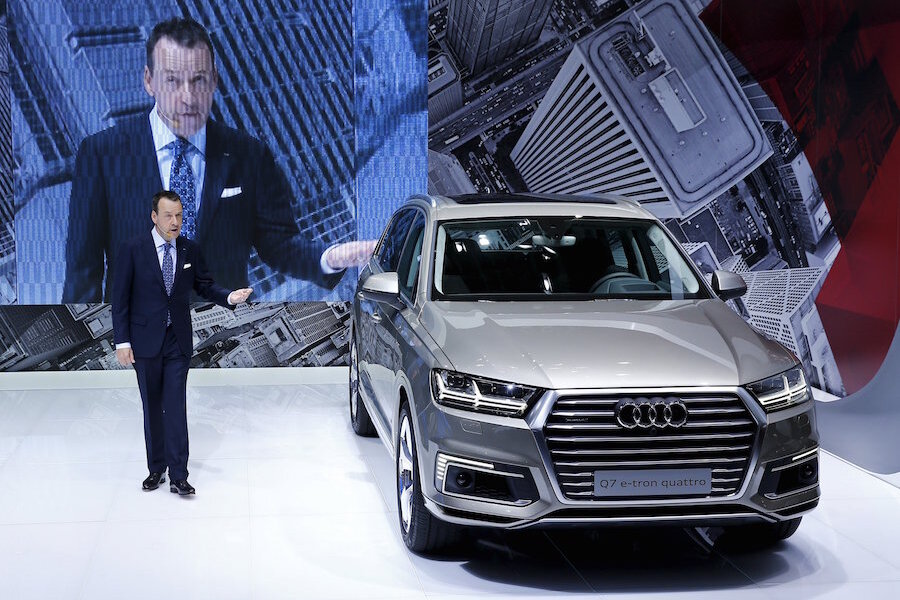 Luxury SUV Audi Q7 combines agility with size