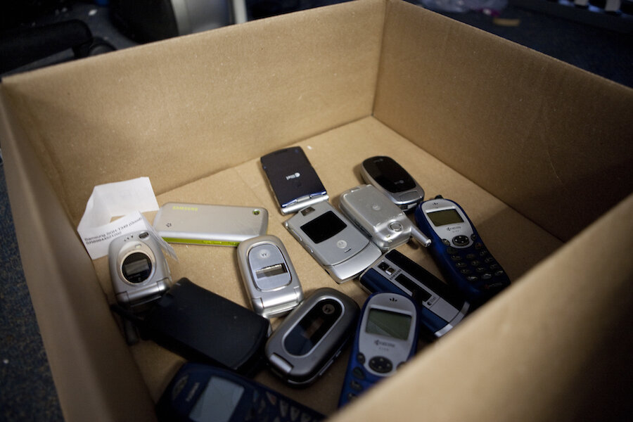 Recycling That Pays Cash In Your Old Electronics