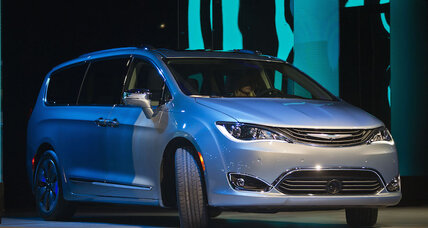 2017 Chrysler Pacifica Hybrid: Minivan boasts 80 mpg, 30 miles of electric range