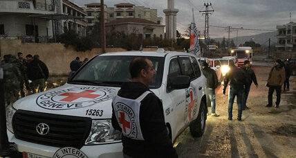 Aid convoys reach 3 besieged Syrian towns