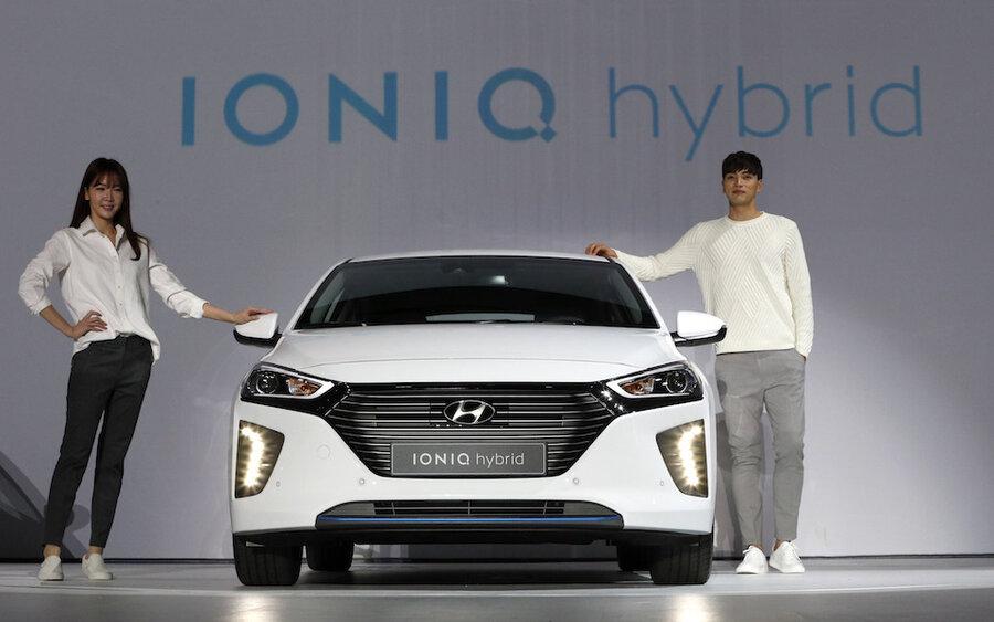 2017 Hyundai Ioniq comes in hybrid, plugin hybrid, or electric