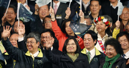 Taiwan election: Beijing holds its fire, but warns pro-independence leader (+video)