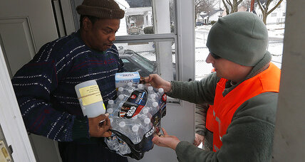 Big business pitches in to bring Flint kids clean drinking water (+video)