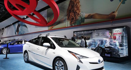 2016 Toyota Prius vs. Chevy Volt: Which 'green' bestseller is right for you?