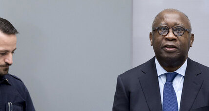 Ivory Coast's ex-president pleads not guilty as big test of Hague court begins (+video)