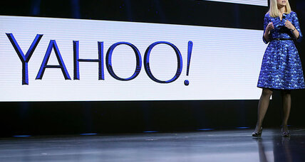 Former Yahoo worker alleges anti-male discrimination