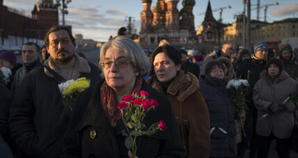 Muscovites mark year since opposition chief Nemtsov slain