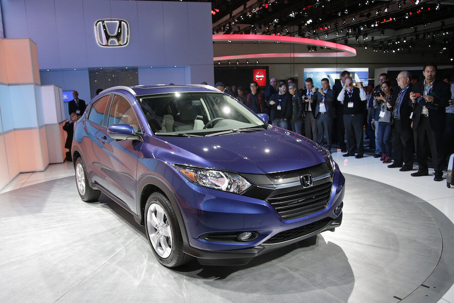 Chevrolet Trax Vs Honda Hr V How These Small Suvs Stack Up