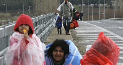 With Macedonian route shut, refugees eye dangerous sea crossing to Italy