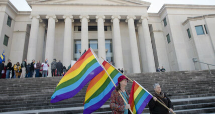 Supreme Court: Alabama can't negate lesbian mother's adoptive rights (+video)