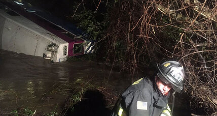 California commuter train derails: How to make trains safer (+video)