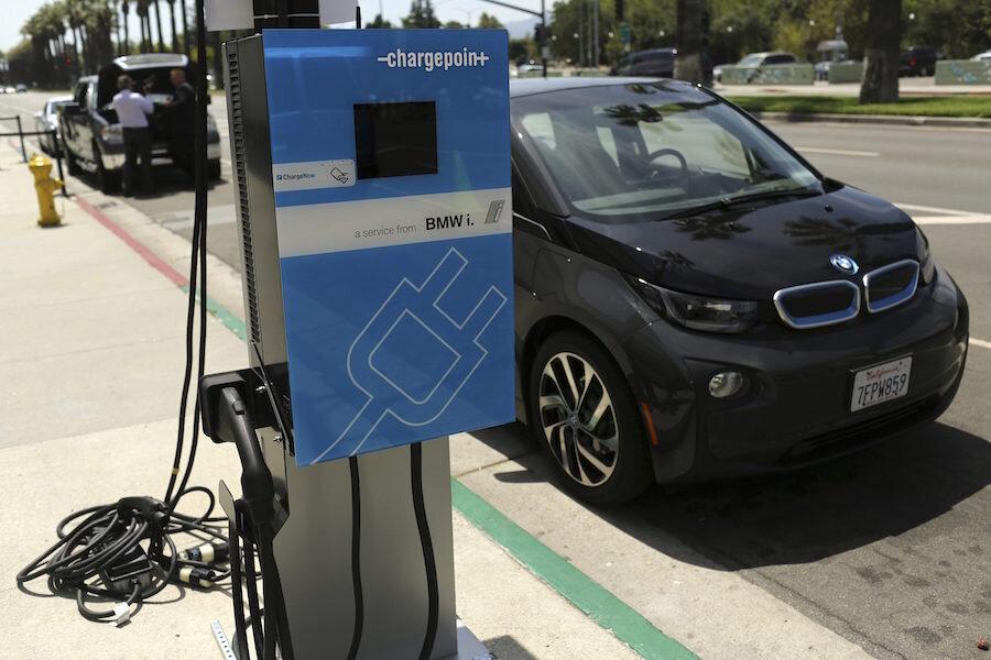 Electric Cars Bmw Confirms I5 Plugin Csmonitor Com