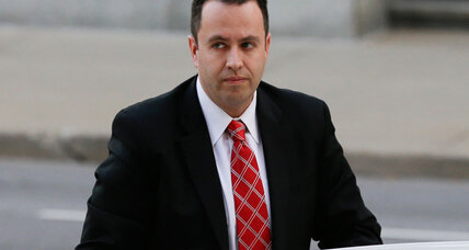 Jared Fogle attacked by fellow inmate. Are famous inmates always at risk?