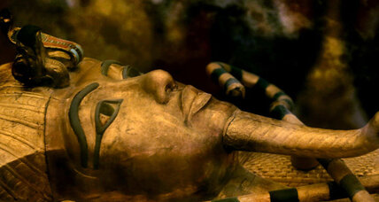 Evidence mounts in search for King Tut's roommate, Queen Nefertiti
