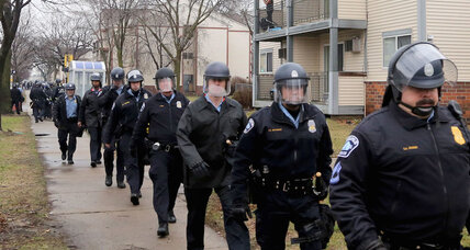 Police cleared of wrongdoing in Jamar Clark shooting, protests follow