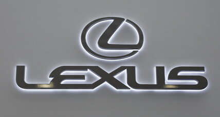 Lexus says luxury hybrids now a top seller