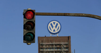 Volkswagen emissions cheating: VW owners mulling trial as deadline looms