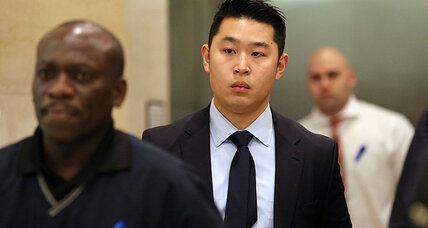 Ex-NYPD Asian cop to be sentenced in stairwell shooting of black man (+video)