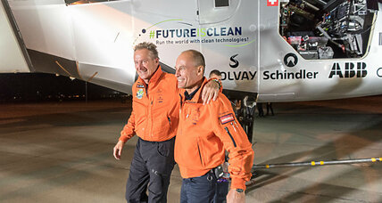Solar Plane soars over Mojave Desert on 10th leg of flight around the world