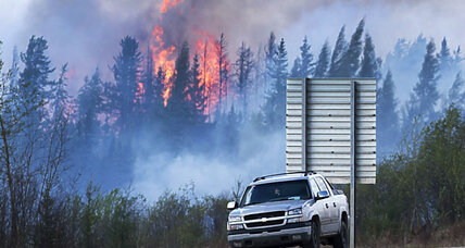 Alberta wildfire: Weather shift raises hopes of firefighters