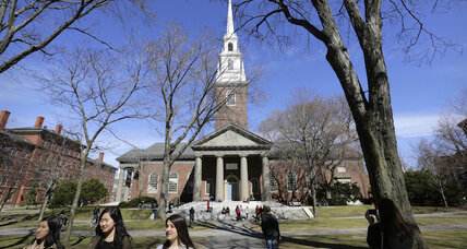 Students protest new single-gender club rules at Harvard