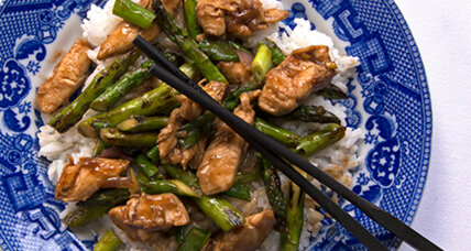 Stir-fried chicken with asparagus