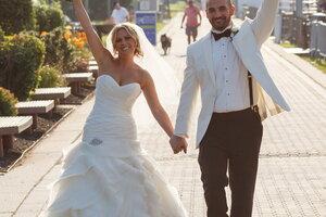 choosing a wedding registry 100plus free gifts from retailers