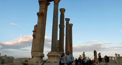 Russians step in to protect UNESCO site Palmyra from ISIS