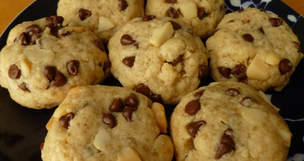 Macadamia chocolate chip shortbread cookies