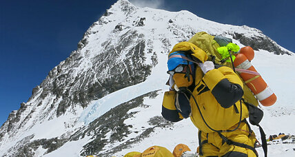 US soldiers scale Mount Everest in name of veteran well-being