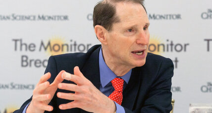 As FBI surveillance takes center stage, Senator Wyden warns against eroding civil liberties