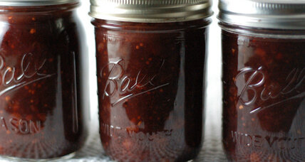Sweet cherry and onion chutney