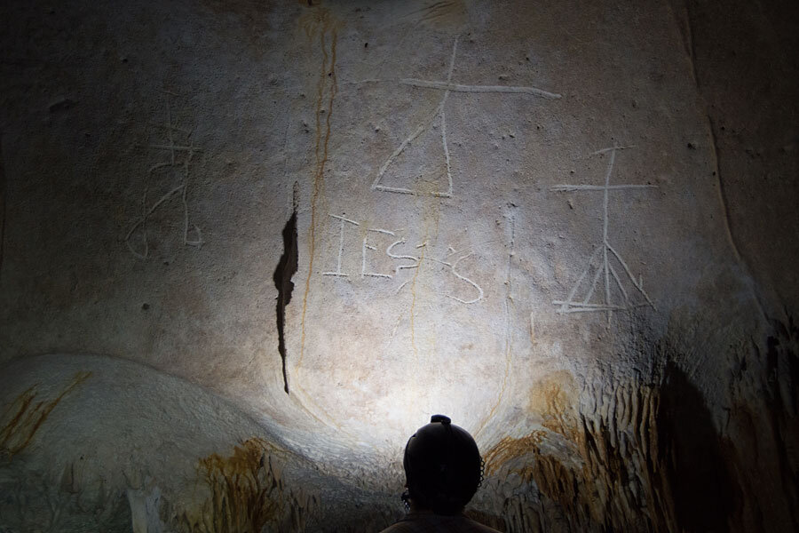Cave etchings reveal early dialogue between Native Americans, Europeans