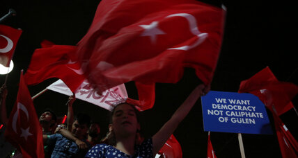 Turkey coup: Erdoğan-as-savior gets boost from potent blend of images (+video)