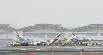 How did all 300 passengers escape the Emirates jet?