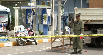 Series of blasts hit popular resorts in southern Thailand