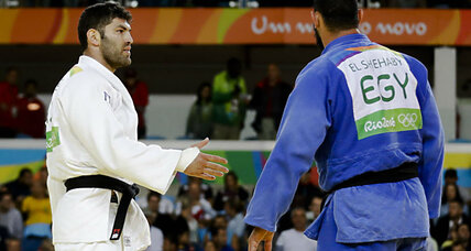 Egyptian judoka sent home for handshake snub