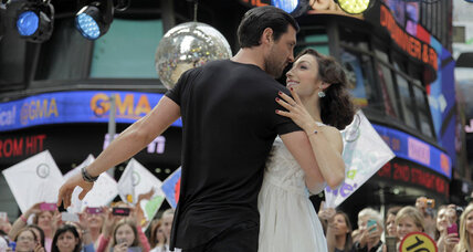 Maksim Chmerkovskiy back on 'DWTS' – but does the cast help viewers dance?