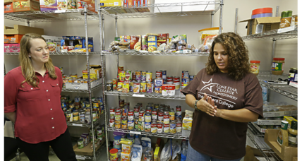 Growing number of colleges offer food pantries to help students